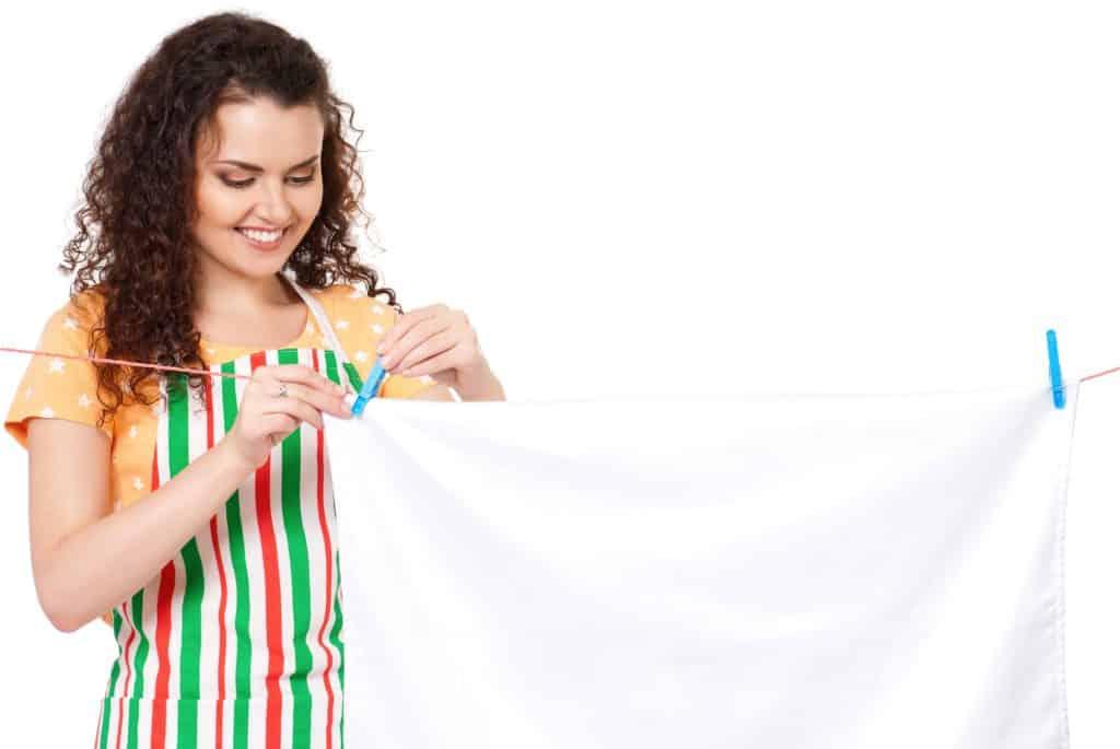 Ved du hvor ofte du skal vaske sengetøj? Det kommer måske som en overraskelse for en del, men du bør faktisk sende sengetøjet en tur i vaskemaskinen hver 14. dag.