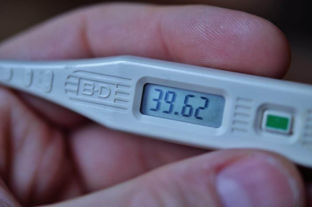 Hvad er feber og hvorfor får man feber? Det forsøger vi at give dig et fyldestgørende svar på her.