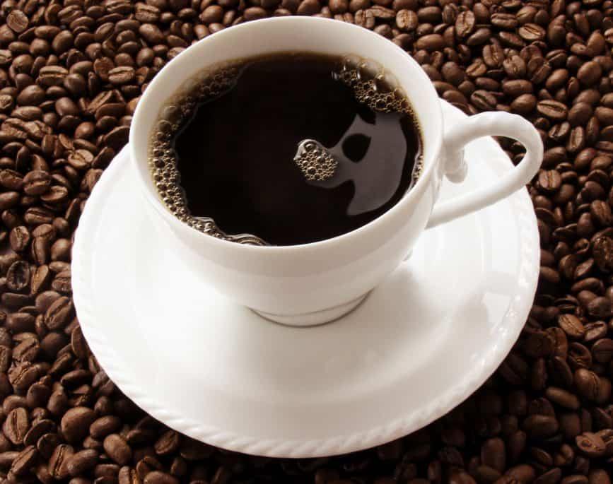 Kaffe er ikke ubetinget sundt. Den sorte drik som vi danskere elsker, kan have indvirkning på dit helbred.
