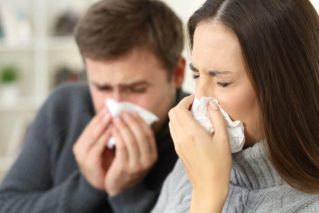 Hvad er snot egentlig for en størrelse, og hvad snotten gøre godt for? Men snot har faktisk en vigtig funktion, og hver dag drikker du en del af den. Uden du måske er klar over det.