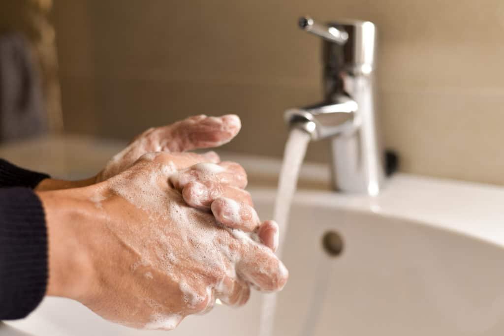 Når du skal vaske fingre så brug den tid, der skal til. det er vigtig både for din egen og andres sundhed.