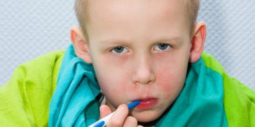 Hvad er Lussingesyge og hvordan genkender man symptomerne? Du kan i denne artikel blandt andet se hvad du skal gøre, hvis dit barn bliver smittet med Lussingesyge - også kaldet erythema infectiosum.