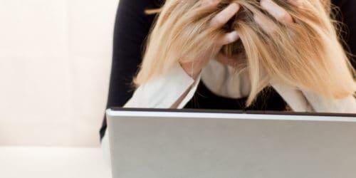 Stress rammer typisk, når man står overfor store udfordringer i ens privatliv eller arbejdsliv.