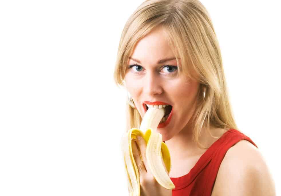 Hvor mange bananer må man spise om dagen, og kan blive tyk af at spise for mange af dem? Der florerer mange myter om bananer, men heldigvis gælder der samme som med så meget andet: Spis med måde, for så er bananerne faktisk meget sunde.