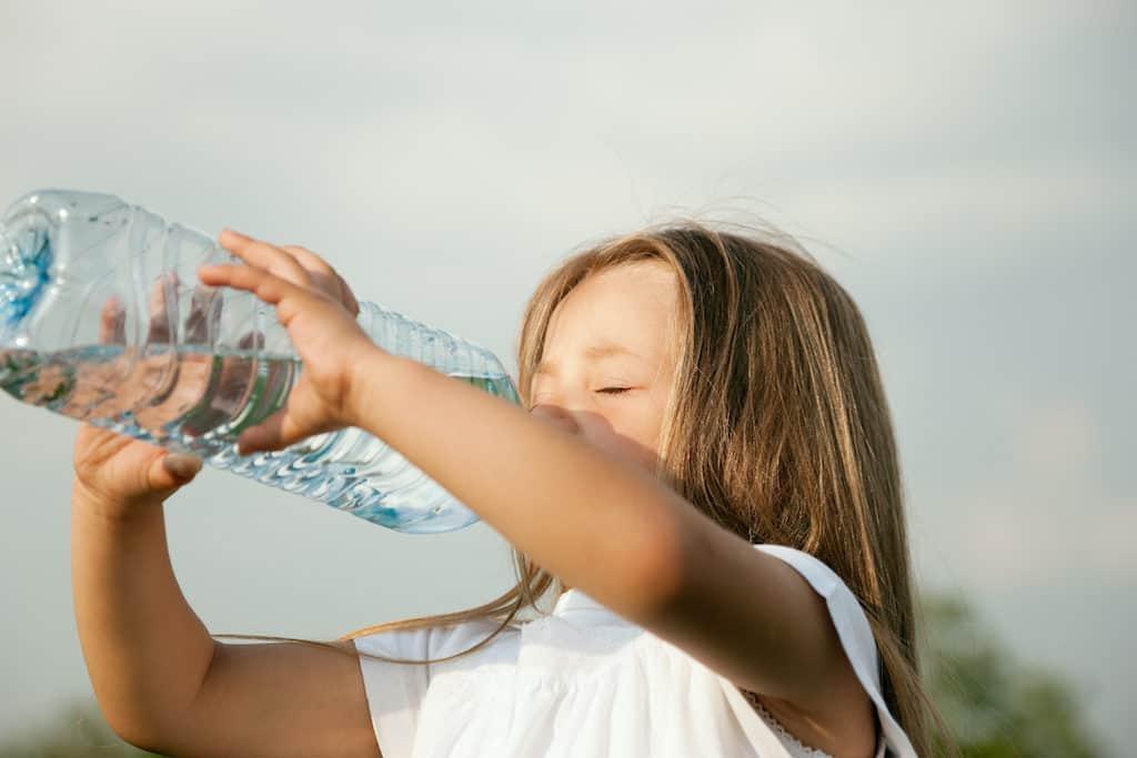 Er det farligt at drikke for meget vand?